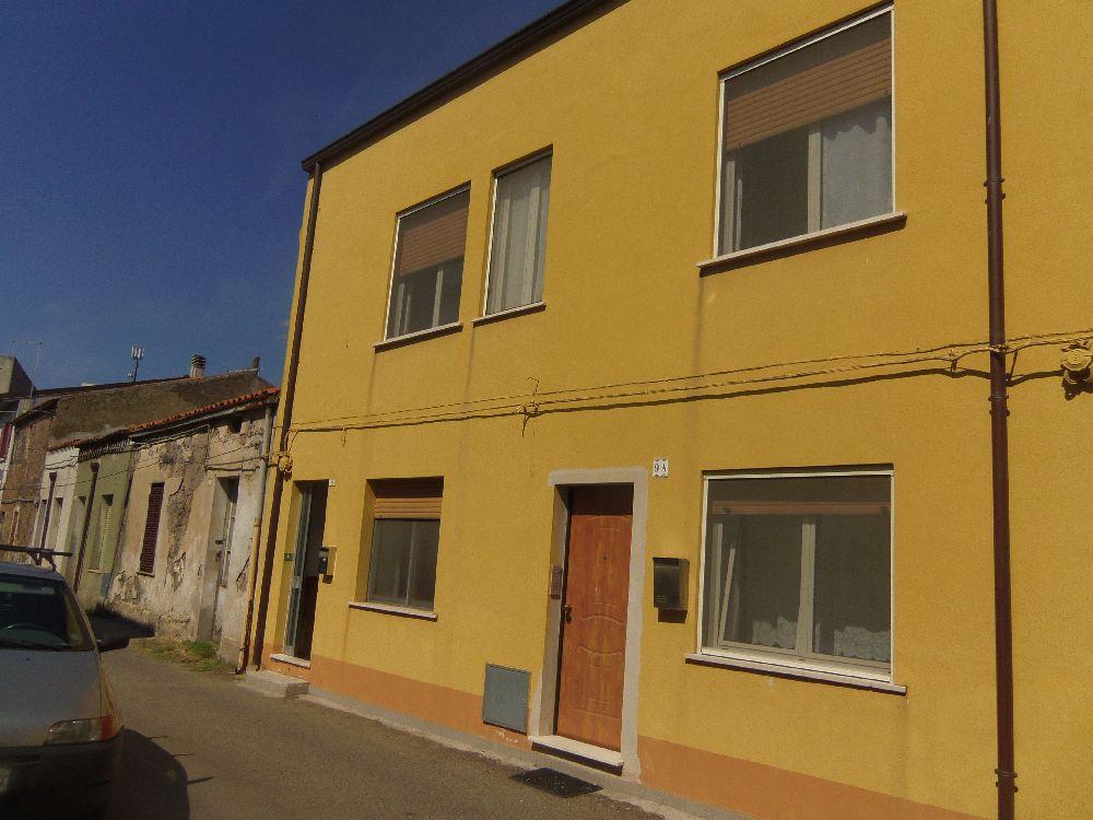 Casa indipendente in vendita a macomer nuoro for Garage autonomo