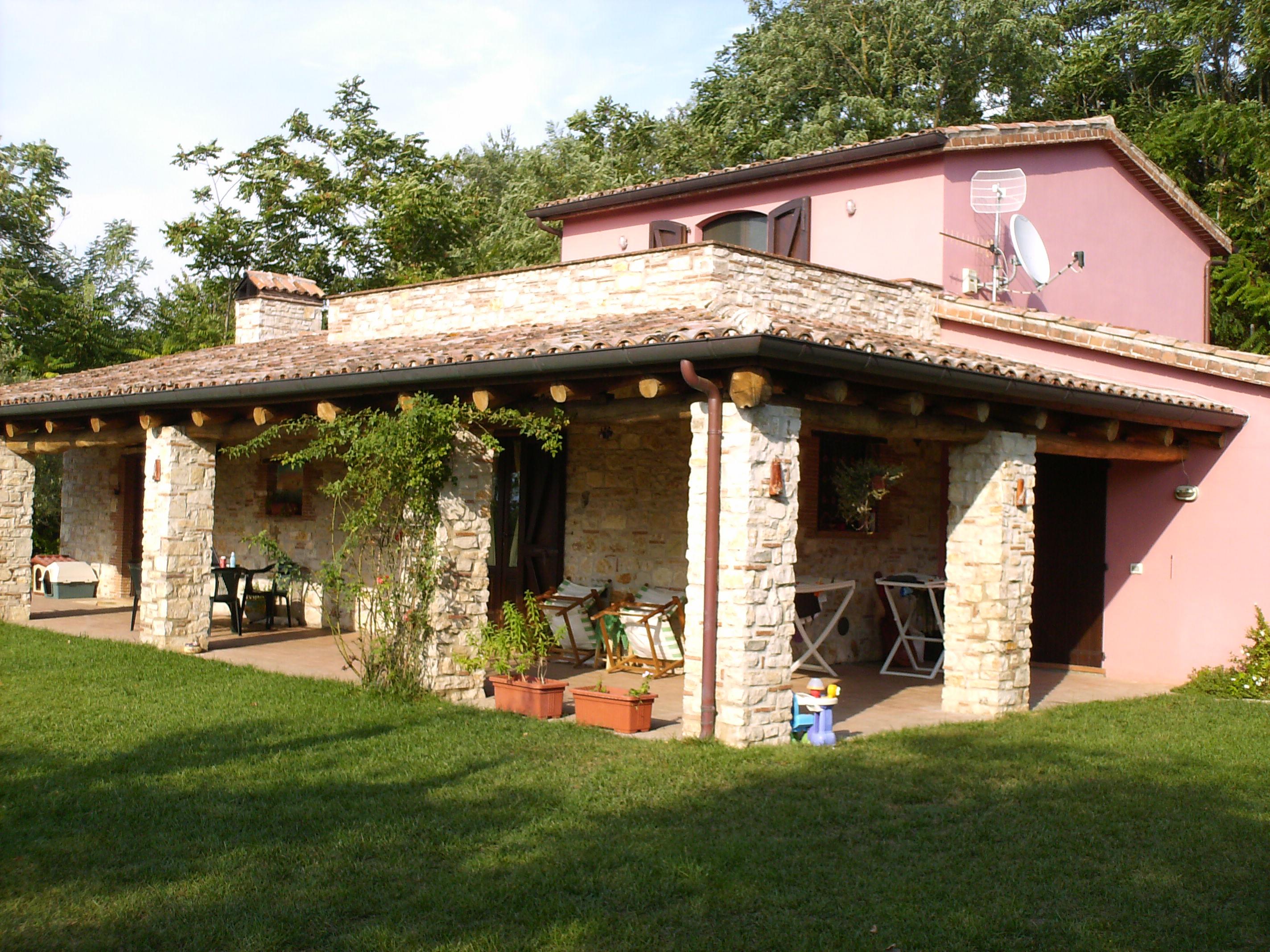 Villa in vendita a melizzano benevento riscaldamento for Avvolgere le planimetrie del portico